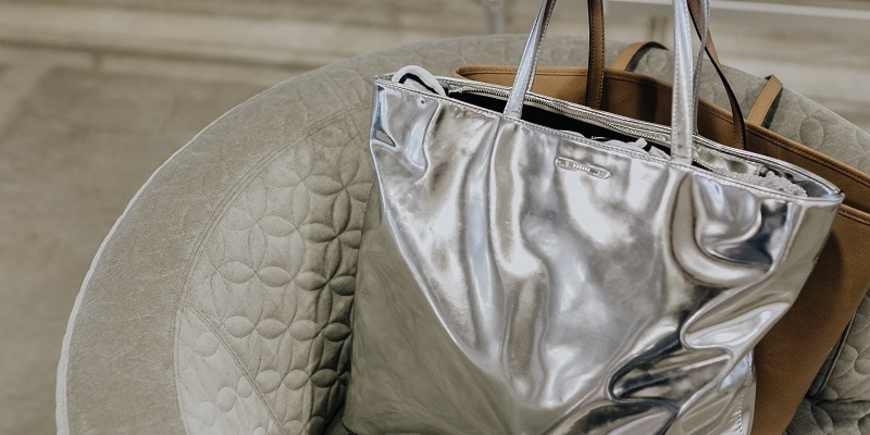 How-to-Sell-Bags-Online bag on chair