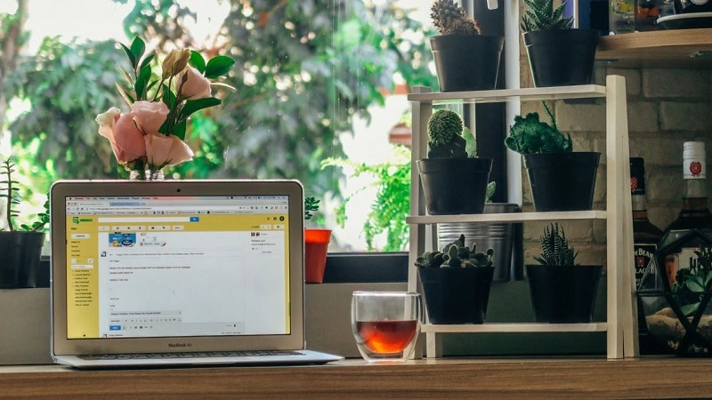How to Set Up an eCommerce Website with emails
